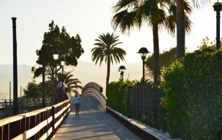 Gångbro vid Los Monteros Playa