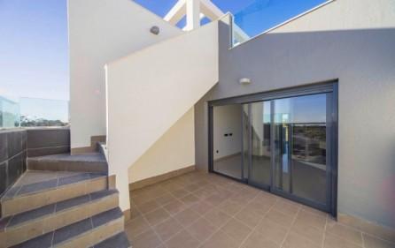 Exempel nedre terrass -uppgång till takterrass