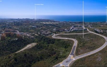 Översiktsbild tomt mot havet