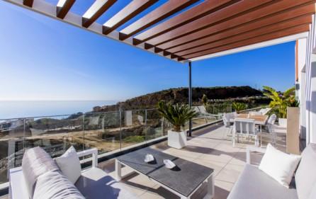 Visningslägenhet – terrass med öppen utsikt