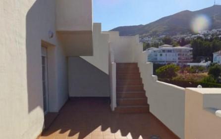 Trappa från nedre terrass till takterrassen