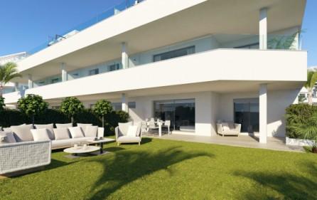 Exempel terrass mot trädgård