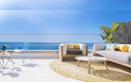 Terrass med utsikt mot havet