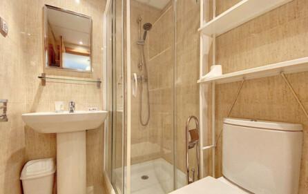 Badrum 2 med dusch